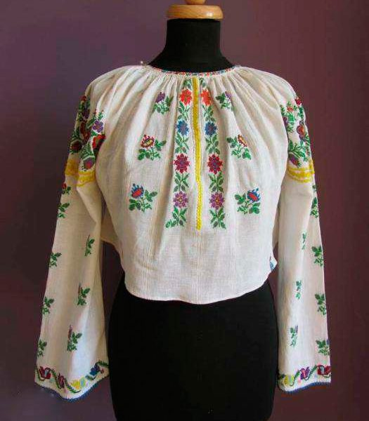 Old,-traditional-women-shirt--2